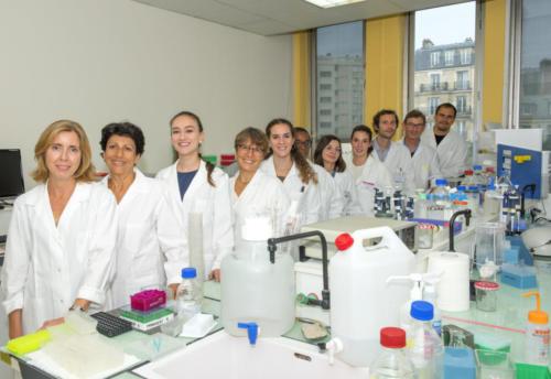 L'équipe de Rozen Le Panse au labo